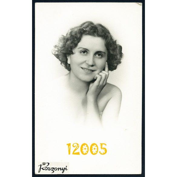 Rozgonyi műterem, fiatal nő portréja, Budapest, 1920-as évek Eredeti fotó, papírkép.
