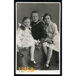 Krakovszkyné műterem, Felsőgalla, gyerekek virággal, matrózblúz, masni, 1930-as évek, eredeti fotó, papírkép.