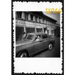 Eredeti fotó, papírkép. rendőrség, Pobjeda Warszawa autó, gépkocsi, rendőrautó, szocializmus, jármű, kommunista, 1950-es évek, Budapest