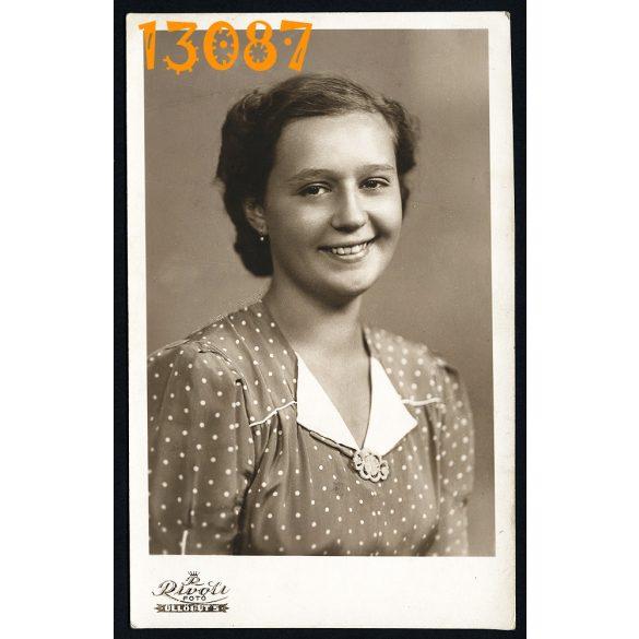 Rivoli műterem, lány portréja, pöttyös ruha, Budapest, 1940-es évek, eredeti fotó, papírkép.