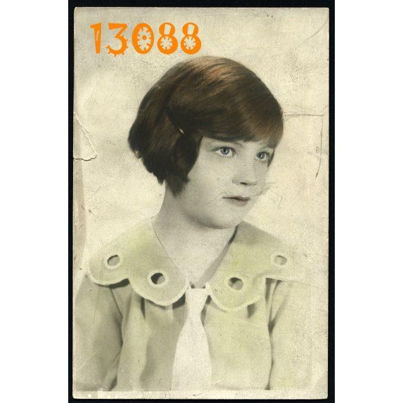 Dr. Barabásné Földiák Ági műterem Budapest, kézzel színezett fotó, lány portréja, 1930-as évek, Eredeti fotó, papírkép.