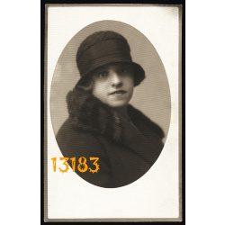 Pfeifer és Rasem műterem, elegáns hölgy divatos kalapban, portré, Budapest, 1930, 1930-as évek, Eredeti fotó, papírkép.