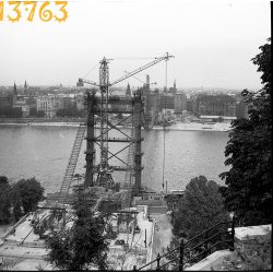 Budapest, Duna, épül az Erzsébet híd, városkép, Eredeti fotó negatív!  1960-as évek eleje