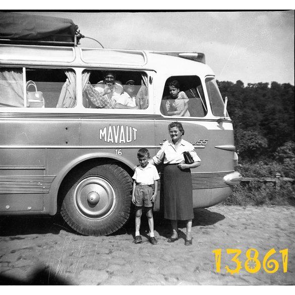 Eredeti fotó negatív! buszkirándulás. Ikarus 55, jármű, közlekedés, busz,  1960-as évek,