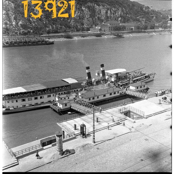 Budapest, Belgrád rakpart, hajó, közlekedés, jármű, Duna, város 1960-as évek, Eredeti fotó negatív!