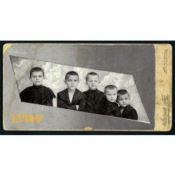 Szigeti műterem, Szolnok, gyerekek elegáns ruhában, különös háttér, egyedi, ritka képkivágás 1890-es évek, Eredeti nagyobb méretű kabinet fotó.