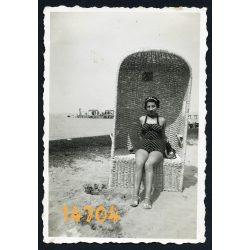 Siófok, Balaton, elegáns hölgy fürdőruhában, 'Dróth Miklósné', 1938, 1930-as évek, Eredeti fotó, papírkép.