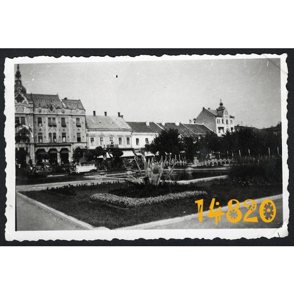 Erdély, Szarmárnémeti (Satu Mare), Fő tér, Pannónia Szálló, város, 1940-es évek eleje, Eredeti fotó, papírkép.