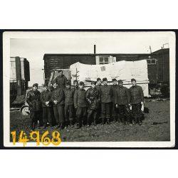 2. világháború, Rába Botond harci jármű, magyar katonák a Kletsk-i állomáson, Szovjetunió, hadtörténet, 1944, eredeti fotó, papírkép,