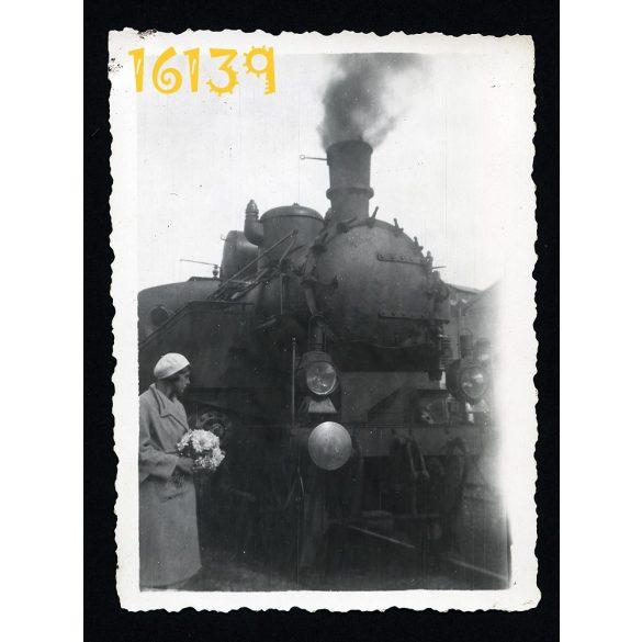 MÁV 375 gőzmozdony, vasút, vonat, közlekedés, jármű 1931. Eredeti fotó, papírkép.