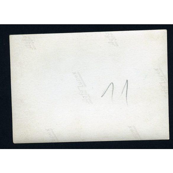 Eredeti fotó, papírkép. Mercedes, Újpesti rakpart, Bessenyei utca sarok, Budapest, jármű, közlekedés, város, sofőr, 1940-es évek