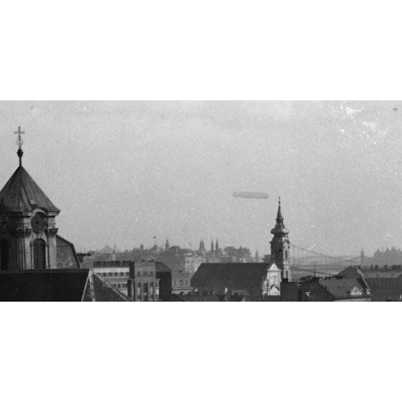 Eredeti fotó negatív! Budapest, Buda, Margit körúti ferences templom, Zeppelin a duna felett  1931.