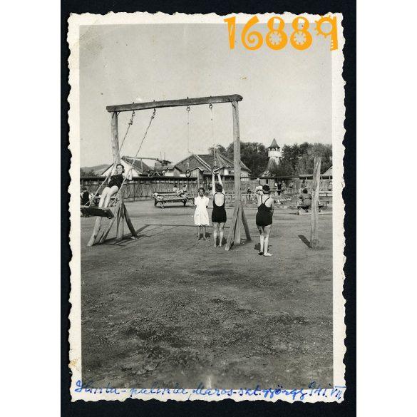 Eredeti fotó, papírkép. Erdély, Marosszentgyörgy, fürdőruha, fürdőzők, hinta, 1941,