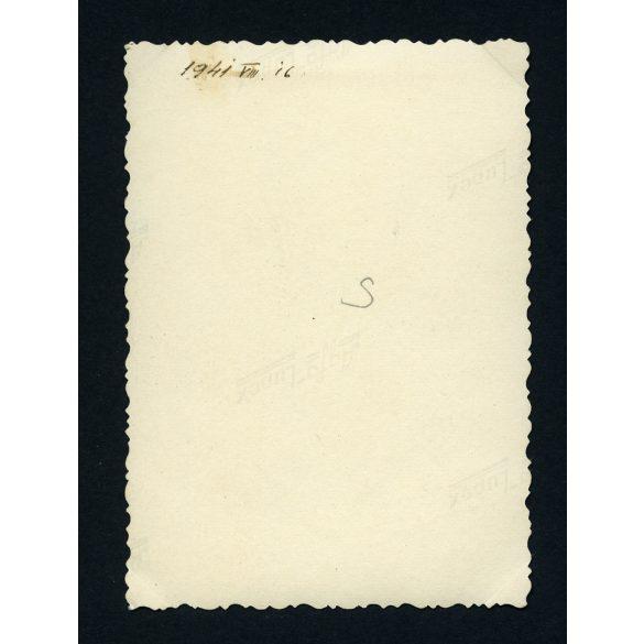 Levente puskával, 2. világháború, egyenruha, fegyver , gyakorlat, 1940-es évek, Eredeti fotó, papírkép.