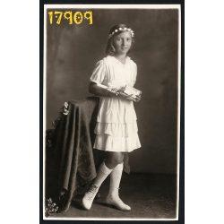 Blahos műterem, Budapest, elsőáldozó lány ünneplő ruhában, vallás, egyház, 1920-as évek, Eredeti fotó, papírkép.
