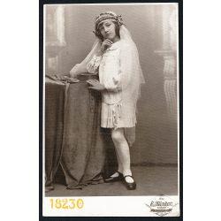 Kántor műterem Ungvár (Uzhorod), Kárpátalja,  császlóci lány elsőáldozási fotója, egyház, vallás, 1920-as évek, Eredeti fotó, papírkép.
