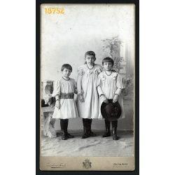 Zamboni és Funk műterem, lánytestvérek ünneplőbe, kalappal, Budapest, 1900-as évek, Eredeti nagyméretű kabinet fotó.