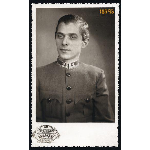 Botfán műterem, Budapest, fiatal férfi egyenruhában, portré, 1930-as évek, Eredeti fotó, papírkép.