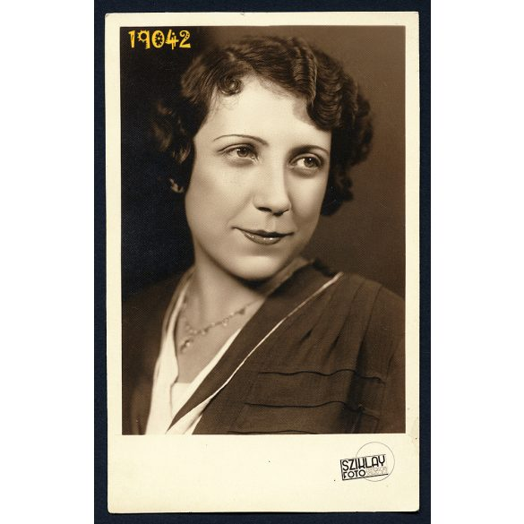 Sziklay műterem, Esztergom, Mihailic Erna színésznő portréja, elegáns hölgy, 1930-as évek, Eredeti fotó, papírkép.