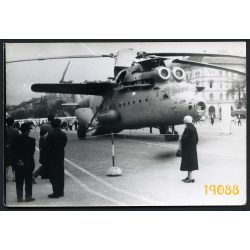 Mi 6 helikopter Budapesten, a Felvonulási téren, jármű, közlekedés, különös, 1960-as évek, Eredeti fotó, papírkép.
