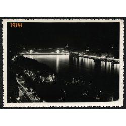 Budapest esti fényekkel, díszkivilágítás, Duna, Széchenyi Lánchíd, 1930-as évek, Eredeti fotó, papírkép.