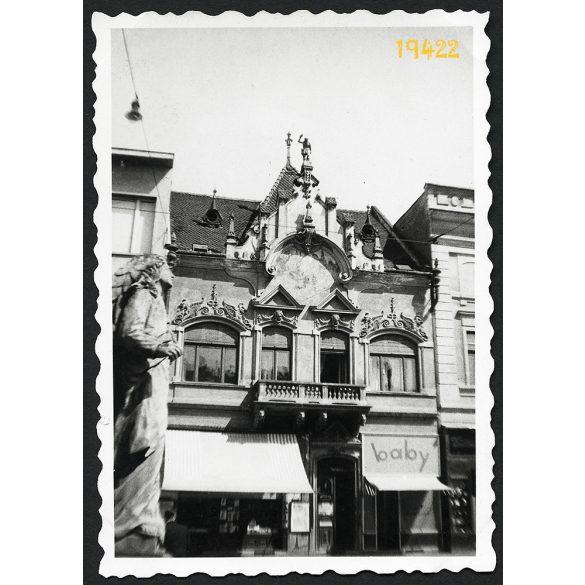 Kassa, Fő utca 75, Felvidék, baby reklám, város, 1940-es évek eleje, Eredeti fotó, papírkép.