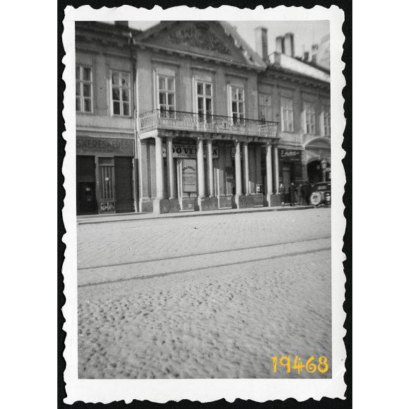 Kassa, Felvidék, Csáky-Dessewffy palota, Fő utca 78, utcakép, városkép, 1940-es évek, Eredeti fotó, papírkép.