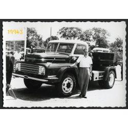 Csepel nyerges vontató, teherautó, Budapesti Ipari Vásár, jármű, közlekedés 1958, 1950-es évek, Eredeti fotó, papírkép.