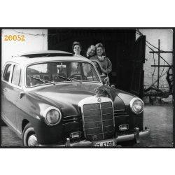 Mercedes Ponton gépkocsi magyar rendszámmal, autó, jármű, közlekedés, 1960-as évek, Eredeti fotó, papírkép.