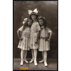 Kovács műterem, Gyöngyös, lányok ünneplő ruhában, masni, 1920-as évek, Eredeti fotó, papírkép.