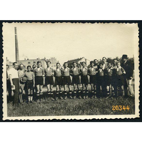 Zuglói SE focipálya, Öv utca, foci, sport, Budapest, nevek a hátoldalon, 1938, 1930-as évek, Eredeti fotó, papírkép.