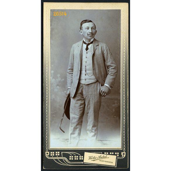 Vértes műterem Nagykanizsa, elegáns úr sétapálcával, pepita mellényben, óralánccal, portré, 1890-es évek, Eredeti kabinet fotó.