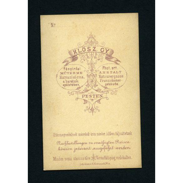 Klösz műterem, Pest, elegáns hölgy nyaklánccal, különös hajviselet, portré, 1860-as évek, Eredeti CDV, vizitkártya fotó.