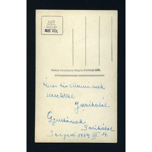 Székely műterem, Szeged, elegáns hölgy különös ruhában, portré, 1939, 1930-as évek, Eredeti fotó, papírkép.