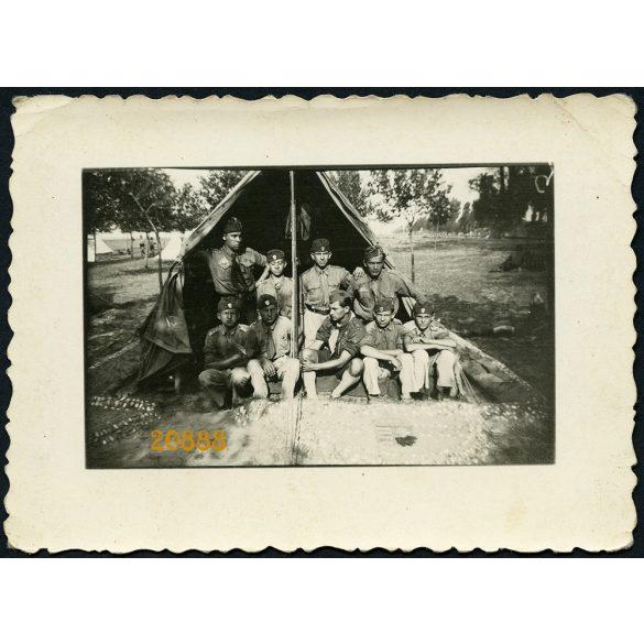 Cserkészek Keszthelyen, Balaton, tábor, egyenruha, sátor, 1940-as évek, Eredeti fotó, papírkép.