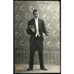 Dunky műterem, Kolozsvár, Erdély, elegáns úr cilinderrel, 1900-as évek, Eredeti fotó, papírkép.