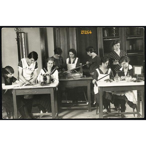 Rasem műterem, Állami Tanítónő-képző intézet, Csalogány utca,  Budapest, 1920-as évek, Eredeti fotó, papírkép.