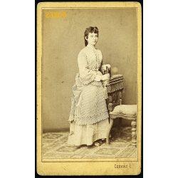 Csókás műterem, Kecskemét, elegáns hölgy portréja, 1870-es évek, Eredeti CDV, vizitkártya fotó.