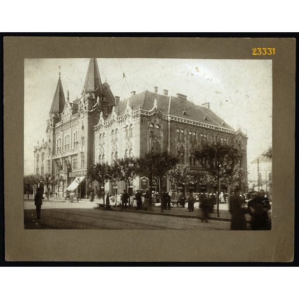 Városháza, Újpest, kirakatok, üzletek,  Budapest, 1900-as évek, Eredeti kartonra kasírozott nagyobb méretű fotó, papírkép.