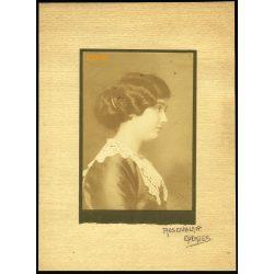 Rosenblatt műterem, Eperjes, Felvidék, elegáns hölgy portréja, 1900-as évek, Eredeti fotó, kartonra kasírozott nagyobb méretű szignózott papírkép.