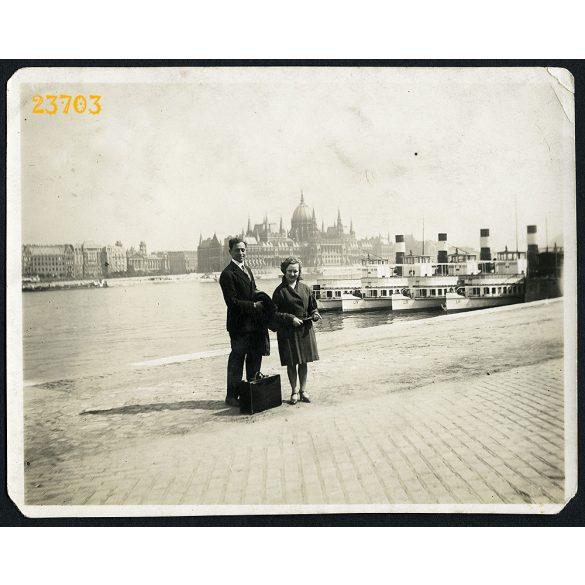 Hajók a Dunán, Budapest, budai rakpart, Országház, jármű, közlekedés, 1930-as évek, Eredeti fotó, papírkép.