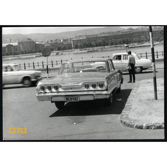 Chevrolet Impala, állami rendszámú luxuslimuzin, politika, Budapest, különös, jármű, közlekedés, 1970-es évek, Eredeti fotó, papírkép.