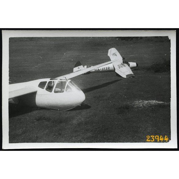 Rubik R-22 Futár, Rubik R-08 Pilis vitorlázó repülőgépek, jármű, közlekedés, 1950-es évek, Eredeti fotó, papírkép.
