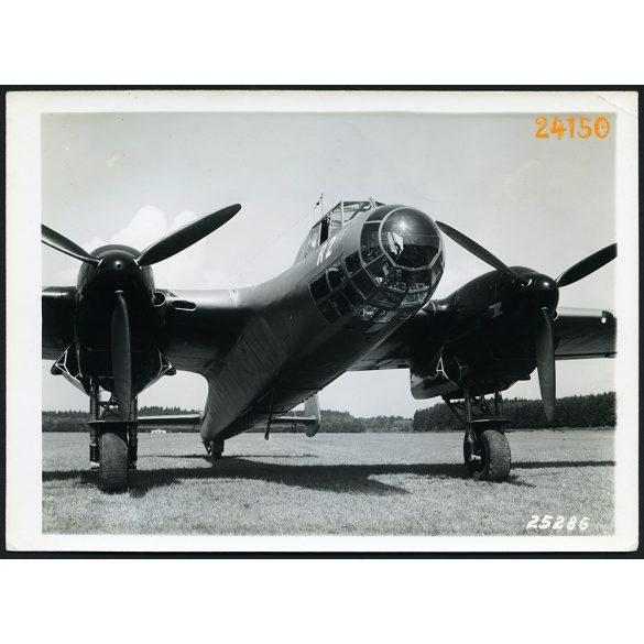 Doriner DO 17 német könnyűbombázó, katonai repülőgép, 2. világháború, 1939, 1930-as évek, Eredeti nagyobb méretű, sorszámmal és pecséttel jelzett Doriner fotó, papírkép.