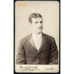 Dunky fivérek műterem, Kolozsvár, Erdély, elegáns fiatal férfi bajusszal, portré, 1890, 1890-es évek, Eredeti CDV, vizitkártya fotó.