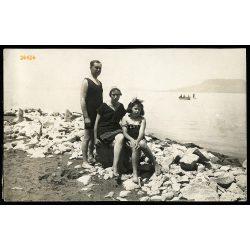 Rigler család a Balatonon, Bélatelep, fürdőruha, 1922, 1920-as évek, Eredeti fotó, papírkép.