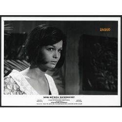 Torday Teri színésznő a Sok hűhó semmiért című filmben, Palásthy György rendezte, filmfotó, vitrinfotó, 1966, 1960-as évek, Eredeti nagyobb méretű fotó, papírkép.