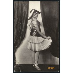 CH. Szilágyi műterem, Marosvásárhely, Erdély, csinos művésznő kalapban, 1920-as évek, Eredeti fotó, papírkép, sarka törött.
