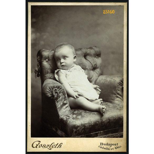 Goszleth műterem, Budapest, kislány fotelban, portré, gyerek, 1900-as évek, Eredeti kabinet fotó.