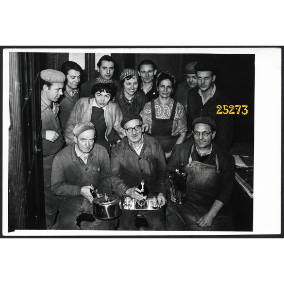 Ikarus dolgozói, gyár, munkás, ünnep, jármű, közlekedés,  1965, 1960-as évek, Eredeti fotó, papírkép.